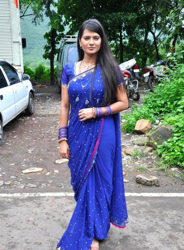 Kratika Sengar Hot Sizzling Pics