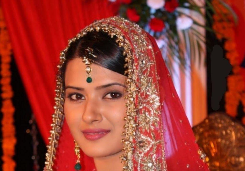 Kratika Sengar Latest HD Images