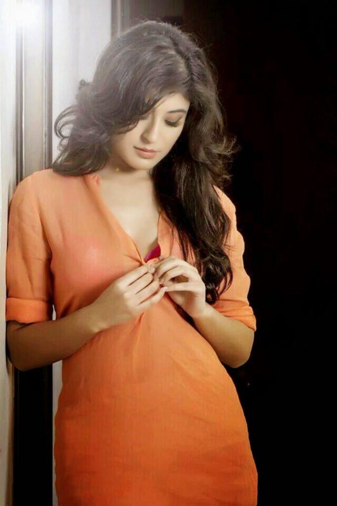 Kritika Kamra Latest New Hair Style Images