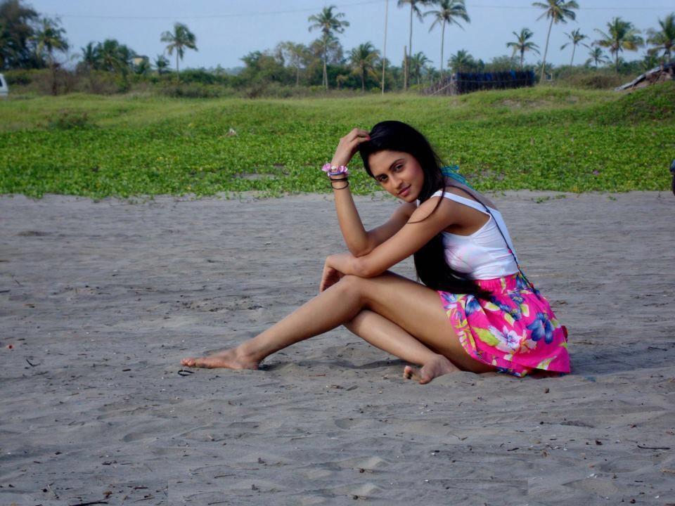 Krystle D'Souza Hot Boobs Photos