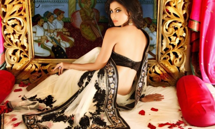 20+ Mouni Roy Hot & Sexy Latest Images Pics Download