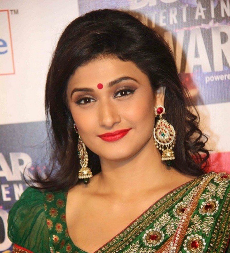 25+ Ragini Khanna Hot Sexy In Bikini Image & Wallpapers