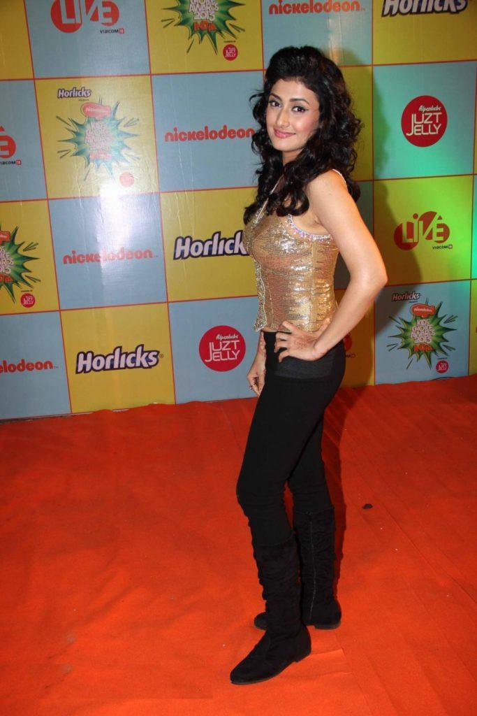 Ragini Khanna Hot & Sexy Photos