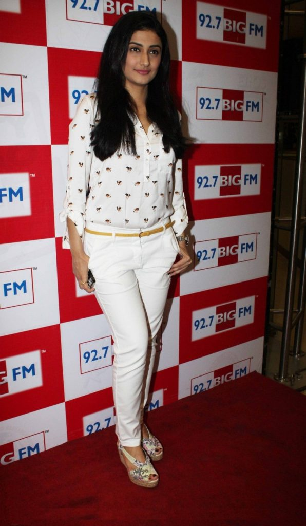 Ragini Khanna Wallpapers Free Download