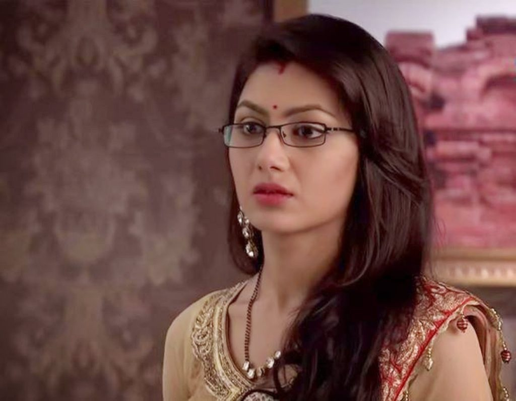 Sriti Jha As Pragya In Kumkum Bhagya Serial Images