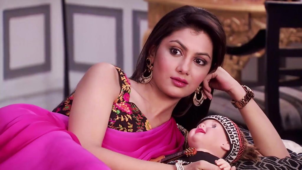 Sriti Jha In Saree Wallpapers