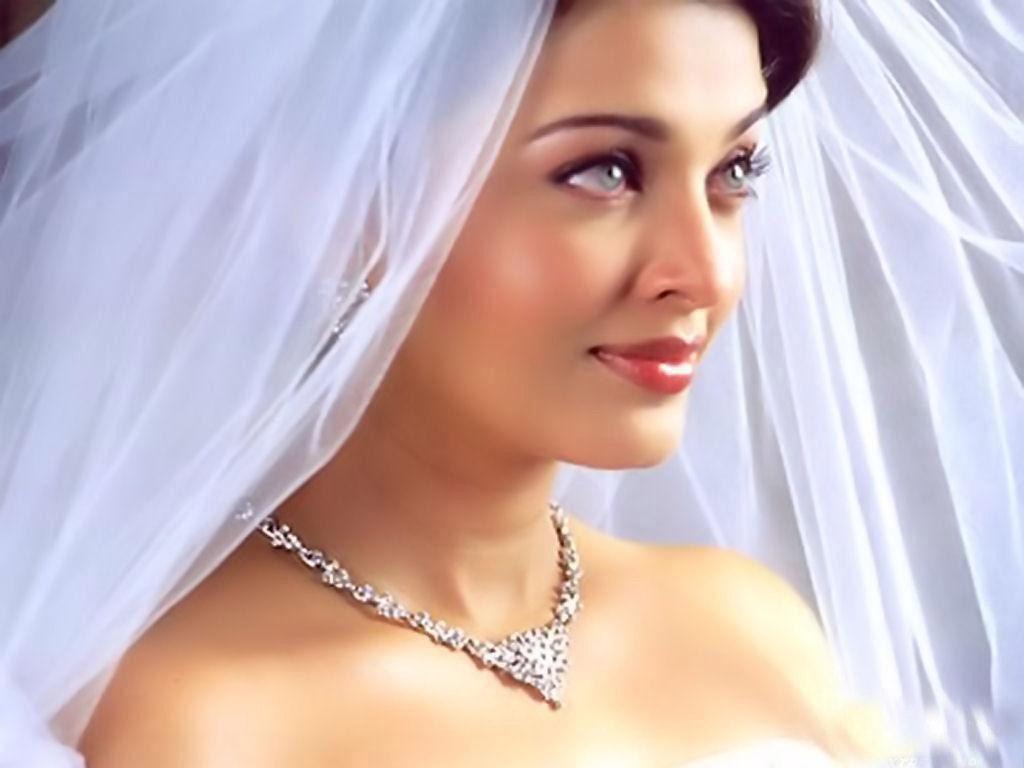 Aishwarya Rai In White Cloths