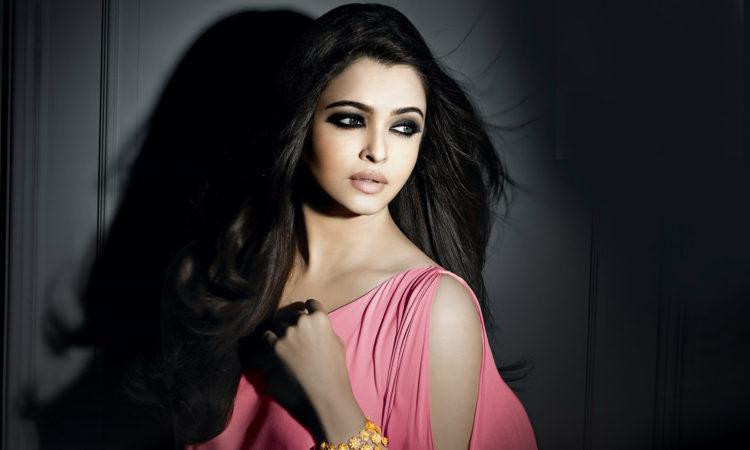 Beautiful Actress Aishwarya Rai Hot Sexy Pics Images