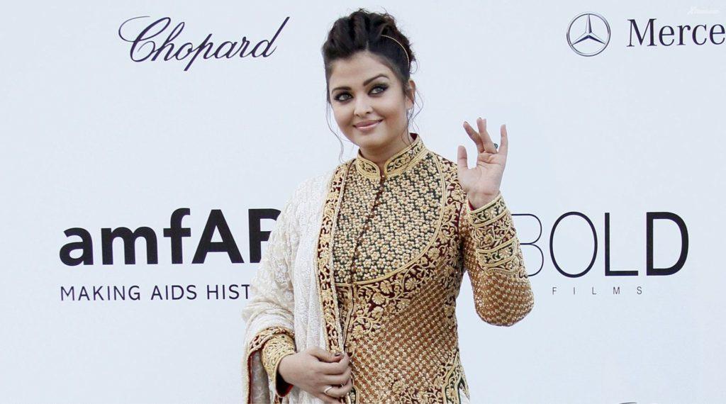 Aishwarya Rai Pramote Her Movie Photos