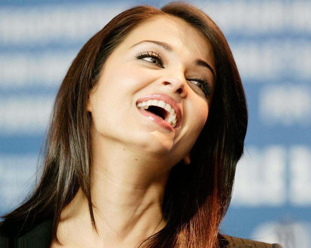 Aishwarya Rai Smile Images