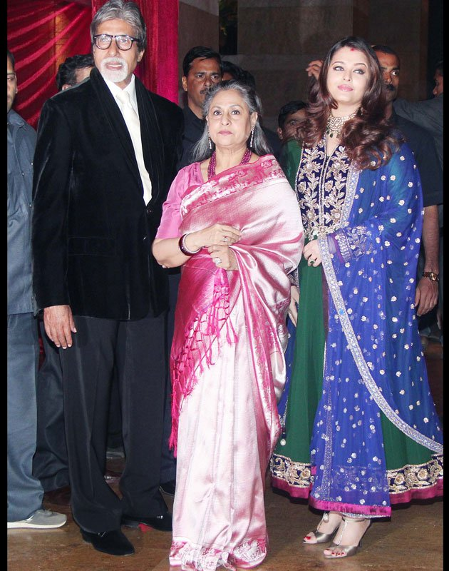 Aishwarya Rai With Amitabh Bachchan & Jaya Bachchan