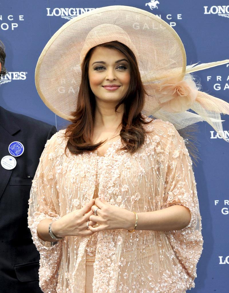 Aishwarya Rai With Cap Images