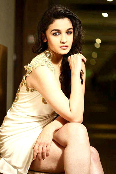 Alia Bhatt In White Color Cloths