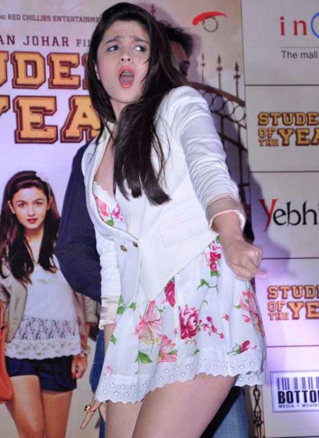 Alia Bhatt Sexy Legs Picture