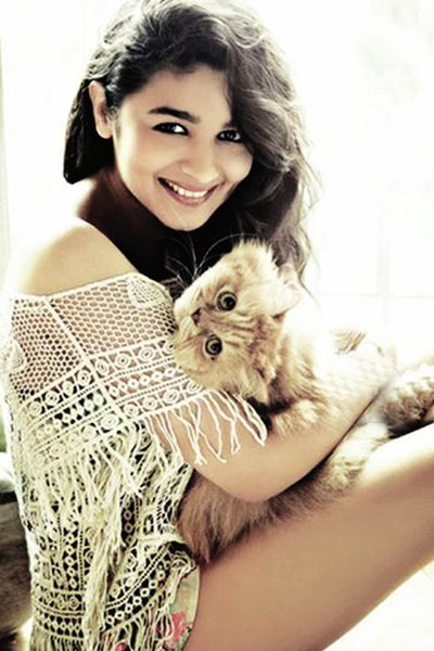 Alia Bhatt With Puppy