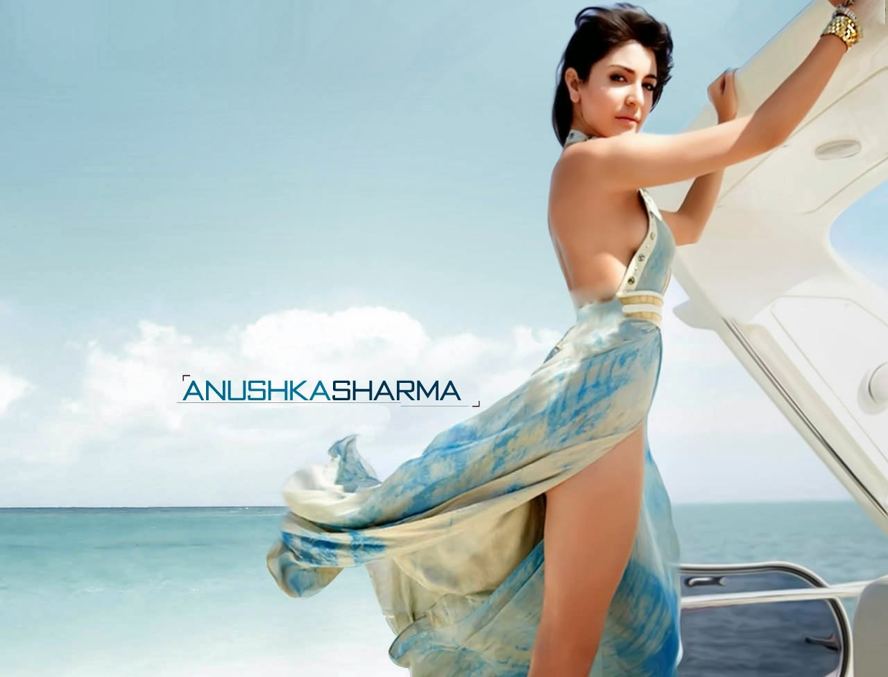 gorgeous anushka sharma hot look in short cloths pics