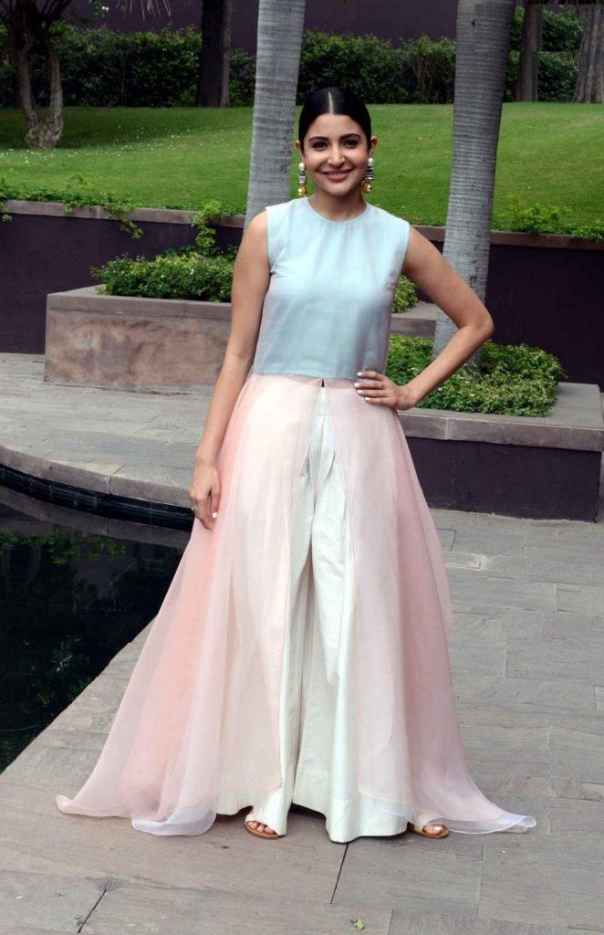 Anushka Sharma Sexy In Gagra Pics