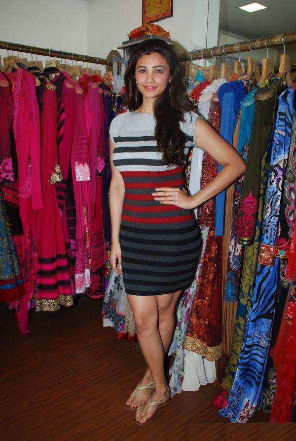 Daisy Shah In Bra Panty Pics