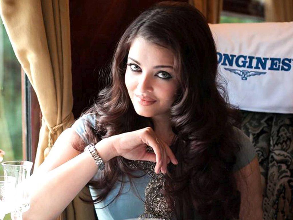 Nice One Of Bollywood Aishwarya Rai Pics