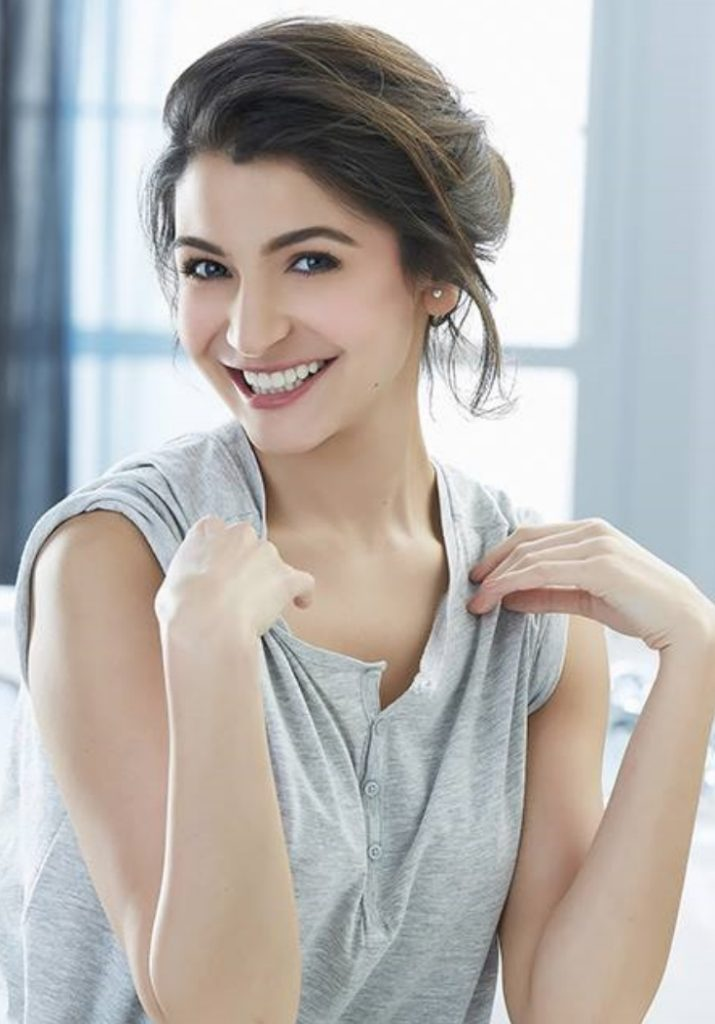Nice Pictures Of Anushka Sharma