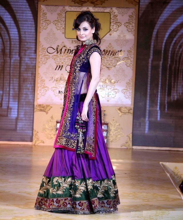 Attractive Actress Dia Mirza Hot Photos Gallery