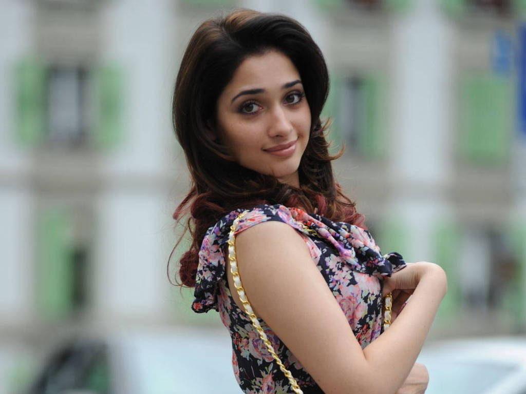 Beautilful Actress Tamannaah Bhatia Images