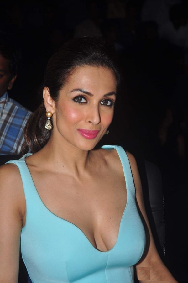 Bold Malaika Arora Sexy Boobs HD Photos