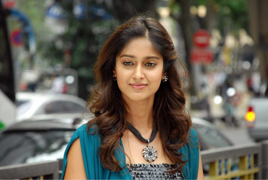 Bollywood Actress Ileana D'Cruz Wallpapers