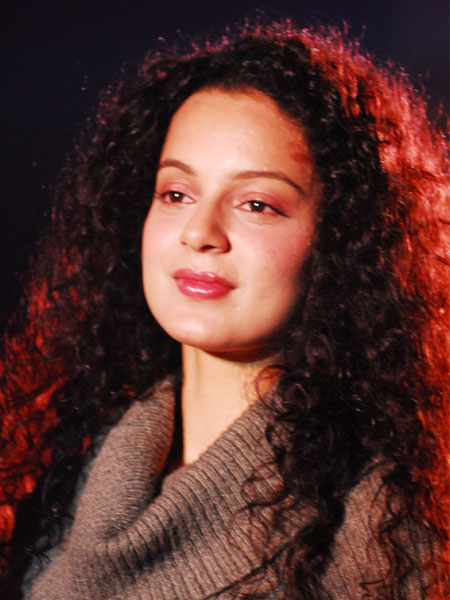 Bollywood Actress Kangana Ranaut Lovely & Sweet pics