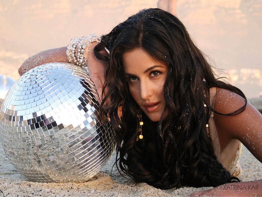 Bollywood Actress Katrina Kaif Bold Images