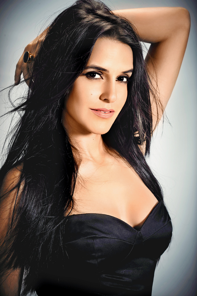 Bollywood Actress Neha Dhupia Hot Pictures