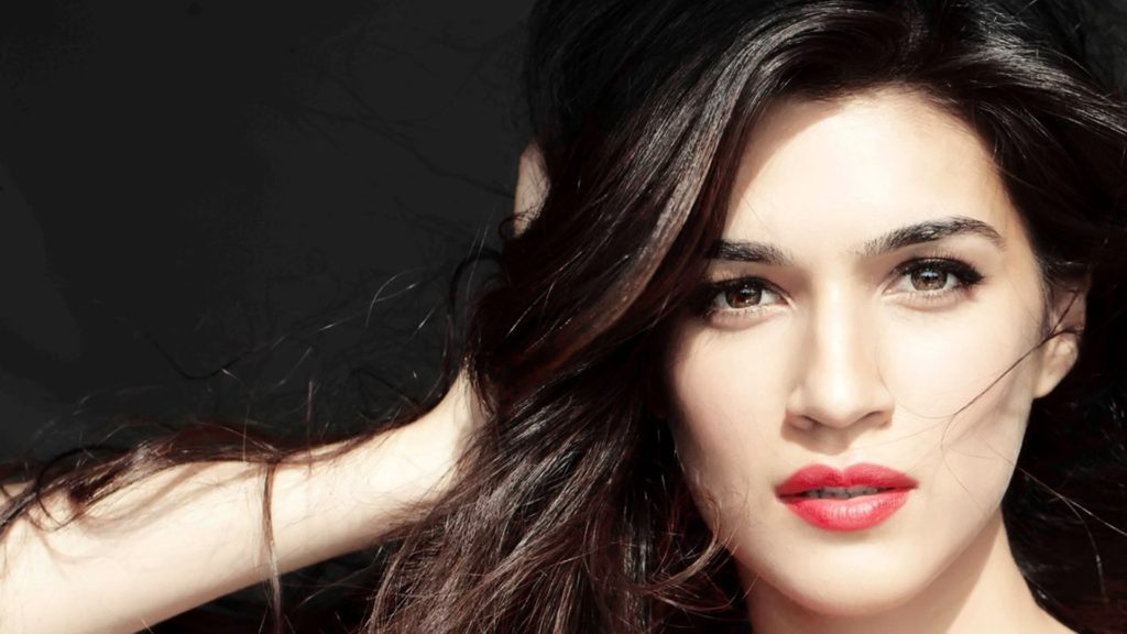 Bollywood ActressKriti Sanon New HD Images