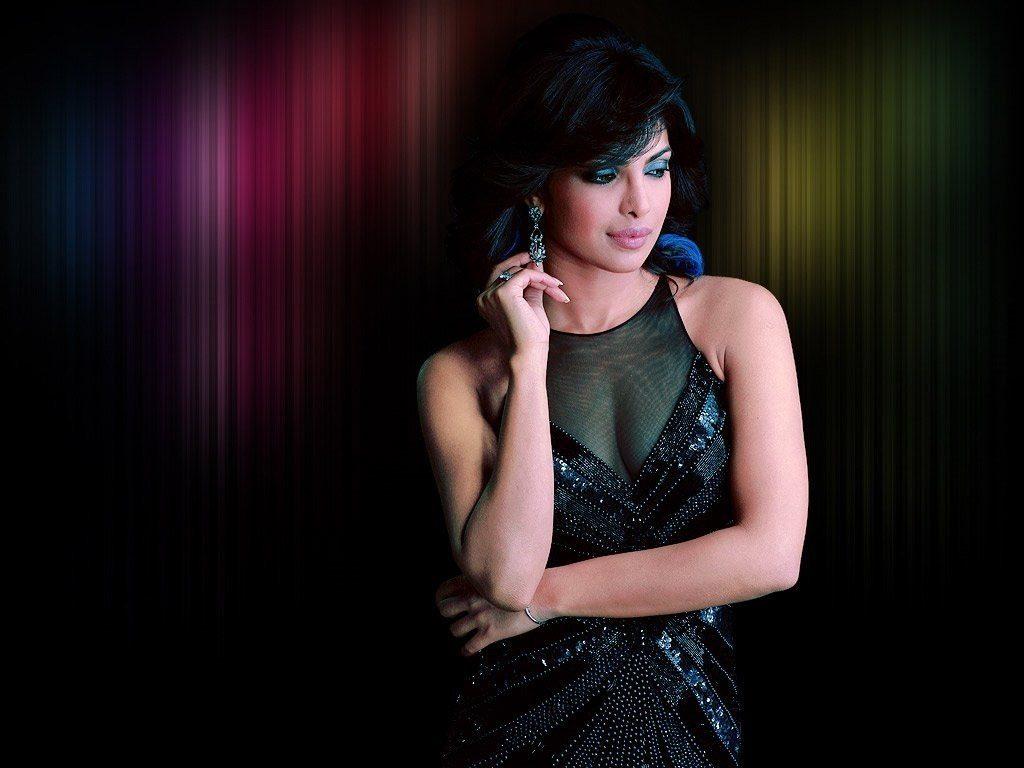 Bollywood Attractive Actress Priyanka Chopra Unseen Photos