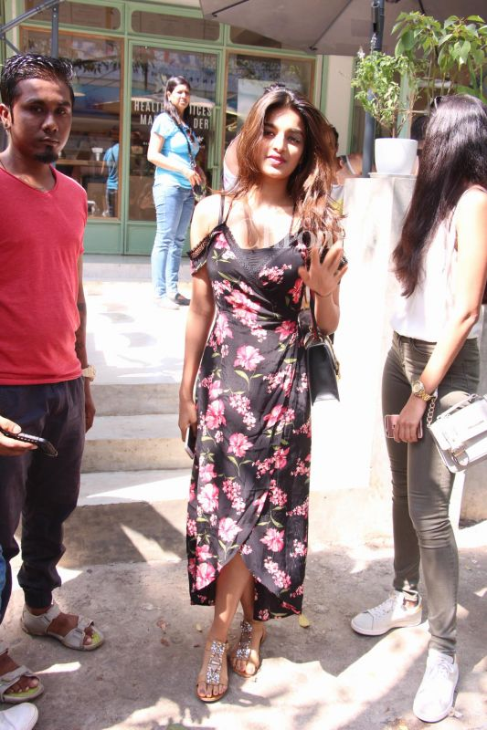 Charming Nidhhi Agerwal Latest Hair Style Images