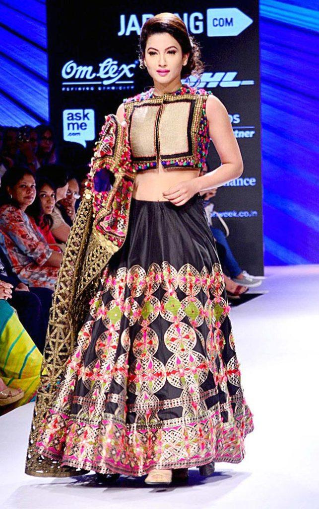 Gauhar Khan Lovely & Charming Pics
