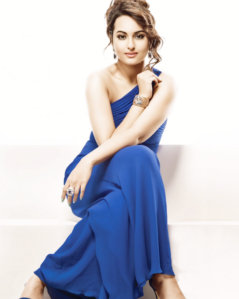 Hot & Sizzling Sonakshi Sinha Beautiful Images