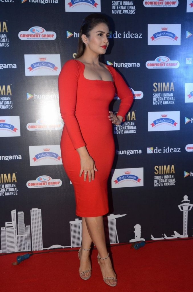Huma Qureshi Images In Short Red Cloths