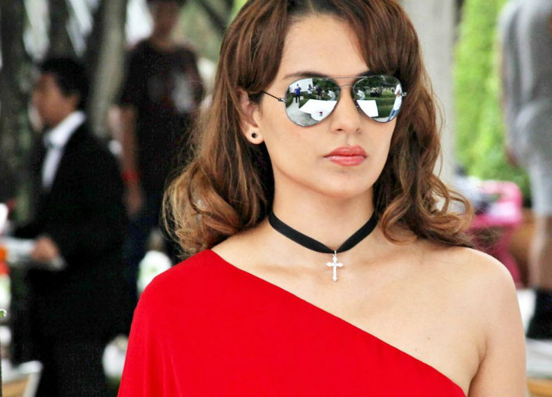 Kangana Ranaut Cute Pics With Sunglass