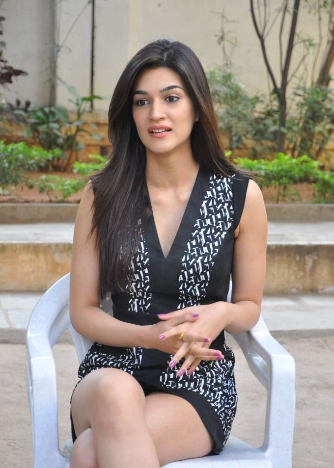 Kriti Sanon Hot Looking Images