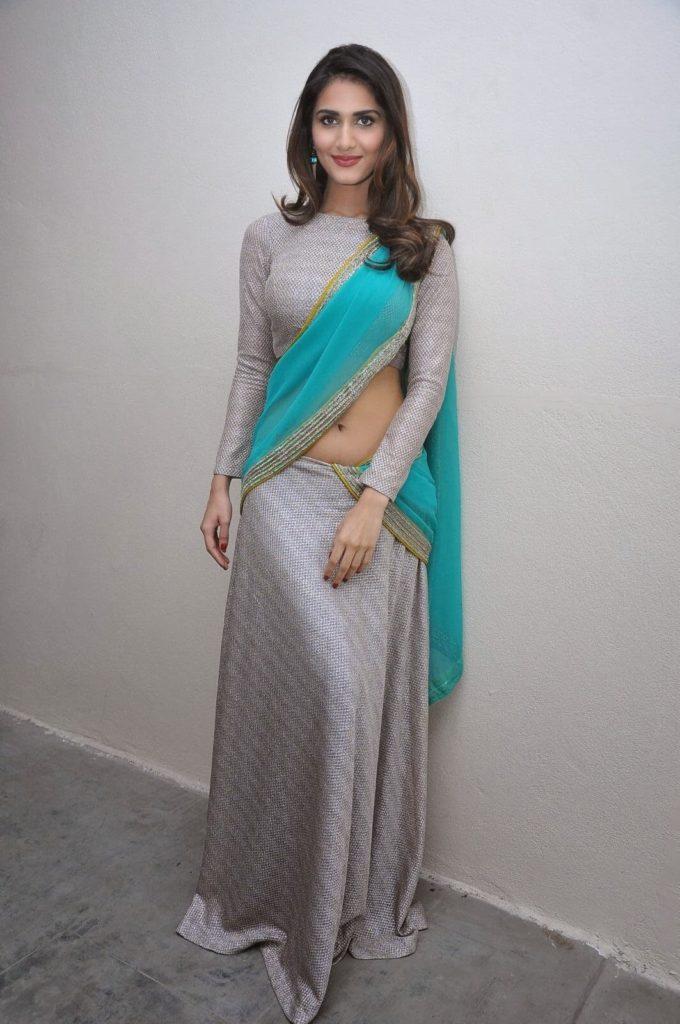 Lovely & Cute Vaani Kapoor Nice & Latest Unseen Photos Gallery
