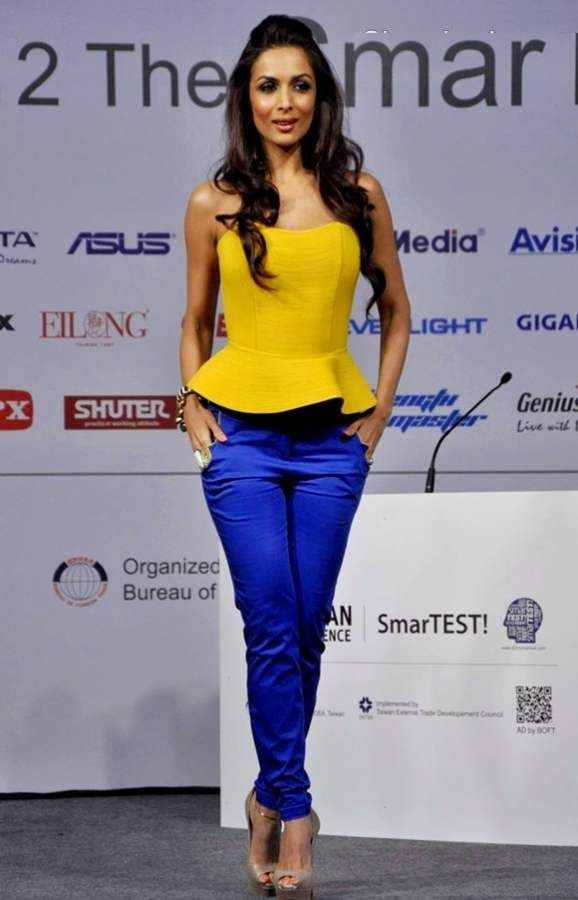 Malaika Arora Beautiful Unseen Images In Jeans Top
