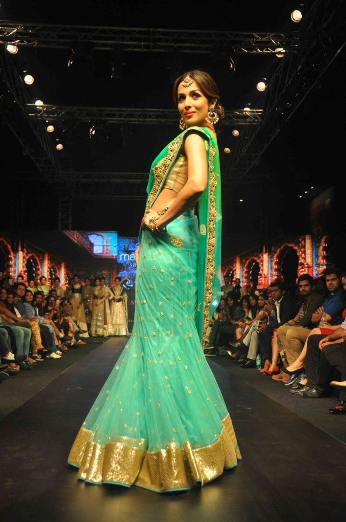 Malaika Arora Charming Wallpapers In Saree