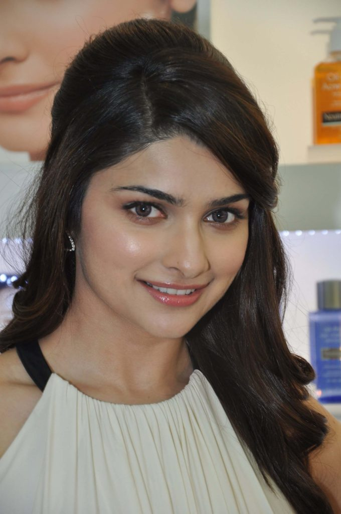 Prachi Desai HD Full Photos Gallery