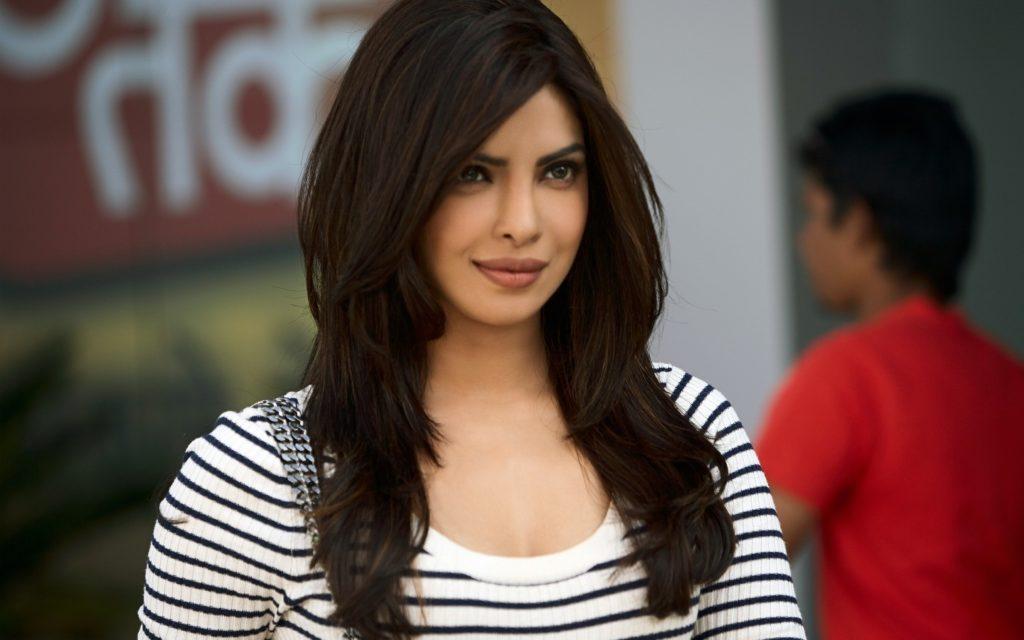 Priyanka Chopra Beautiful Unseen Images In Jeans Top
