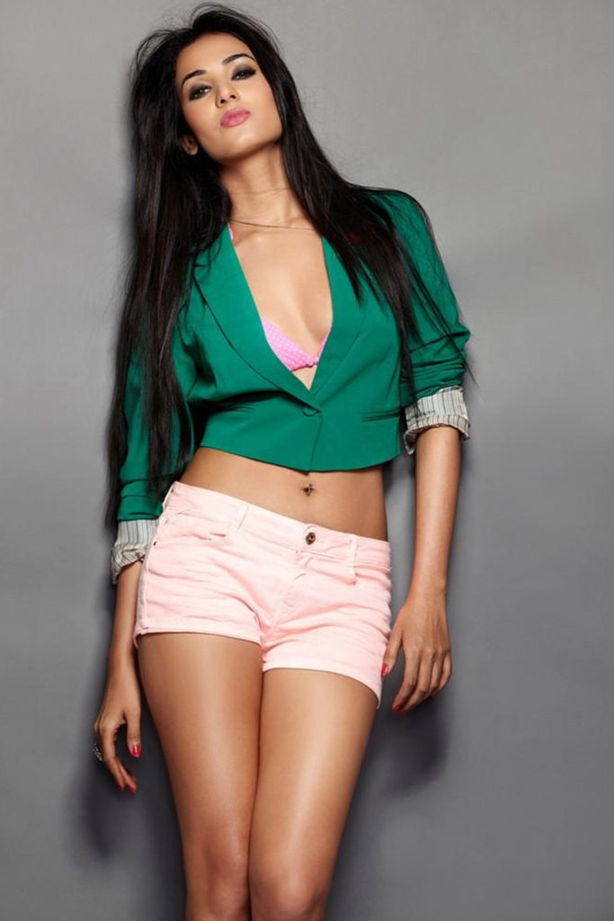 Sizzling & Hot Sonal Chauhan Images In Bra Panty