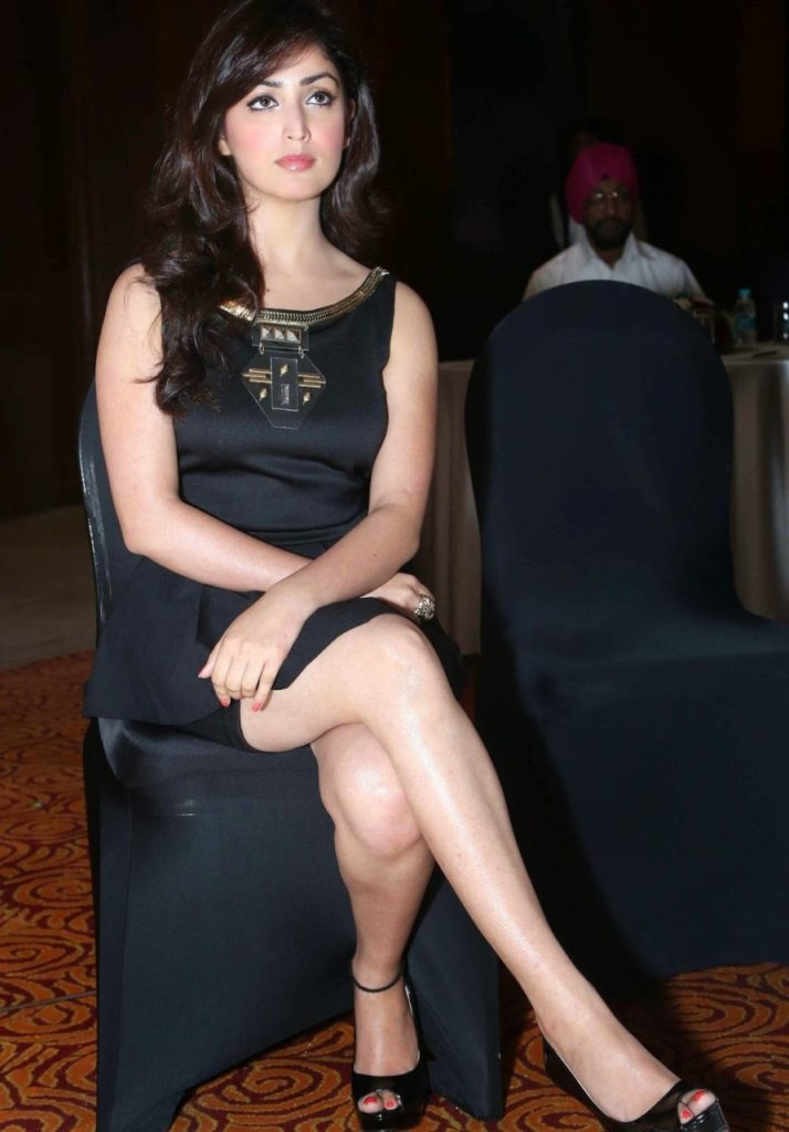 Sizzling & Sexy Yami Gautam Hot  Legs Unseen Wallpapers