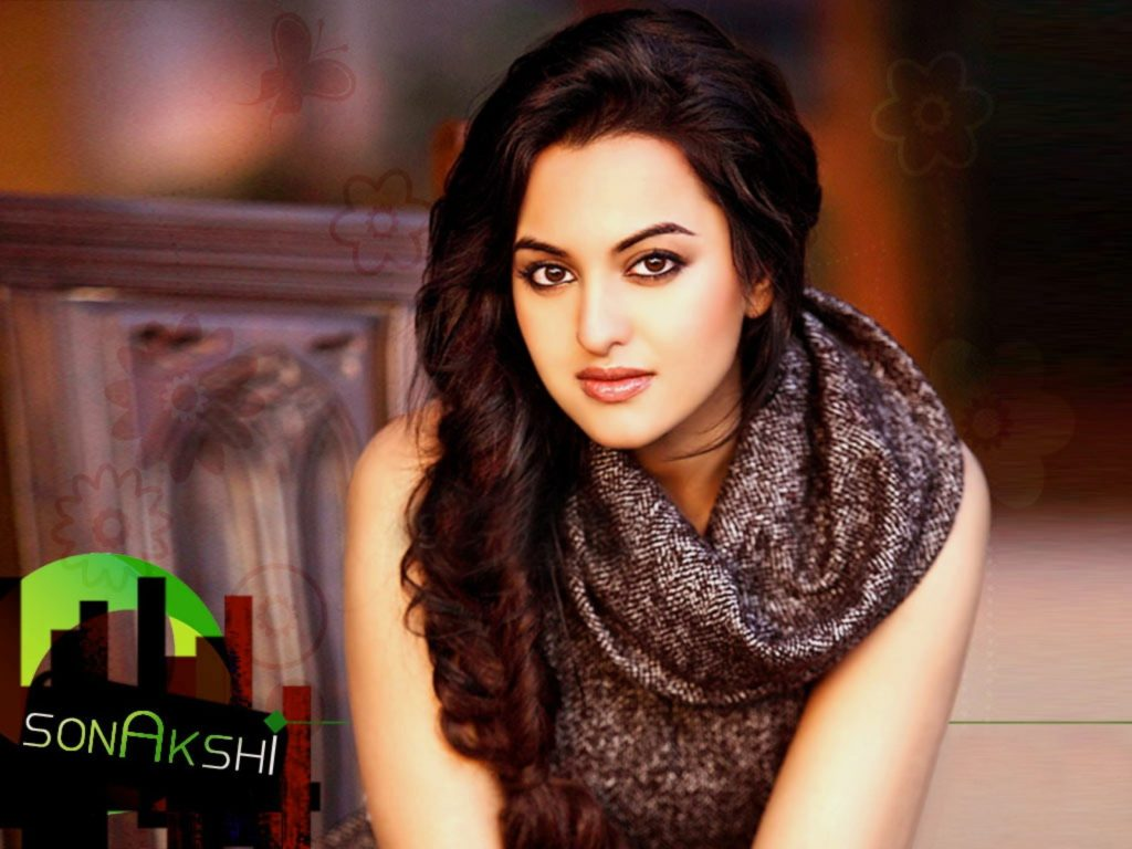 Sonakshi Sinha Attractive Images