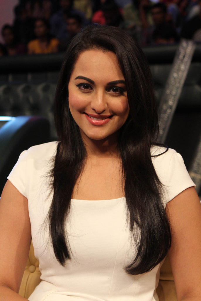 Sonakshi Sinha Hot & Sexy Boobs Images