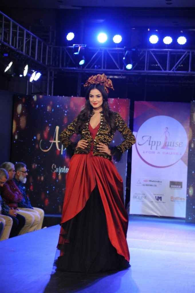 Sonal Chauhan Beautiful Pics At Rampwalk