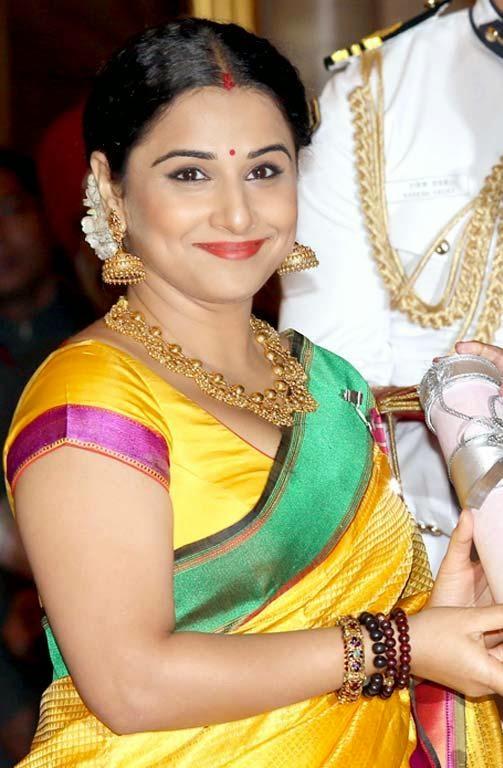 Spciy Actress Vidya Balan New Photoshoots At Rampwalk
